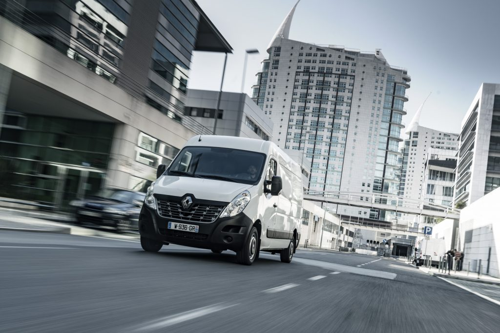 thumbnail for Renault Master Z.E. : elektrische distributie in maat 3,5 ton
