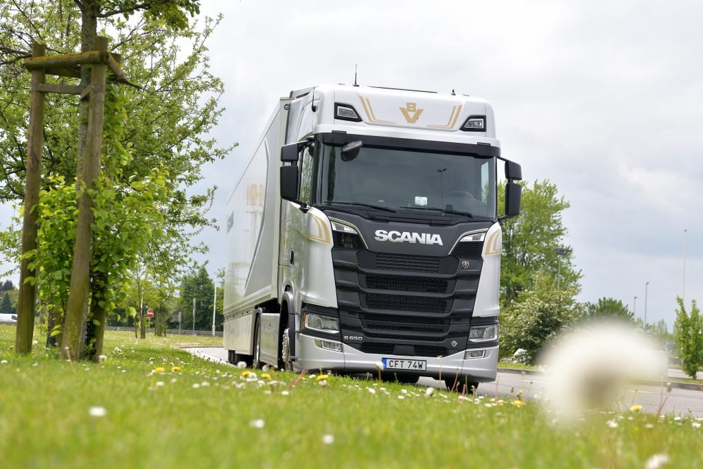 thumbnail for Scania S650 V8 : la passion, encore et toujours !