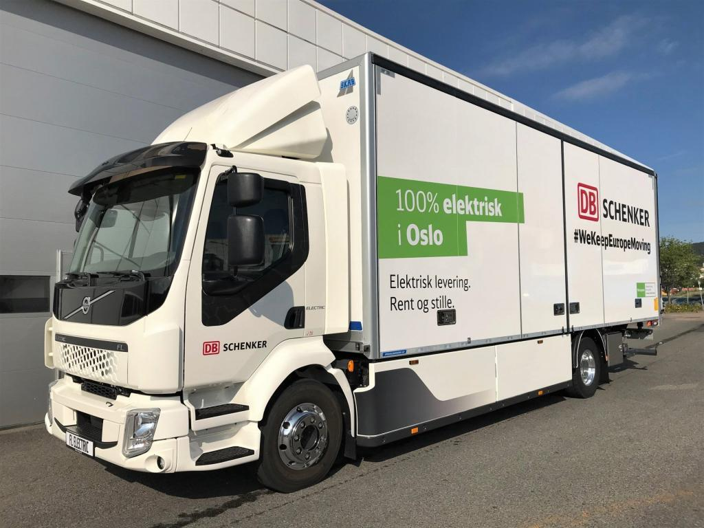 thumbnail for DB Schenker neemt 7 Volvo FL Electric in gebruik in Oslo