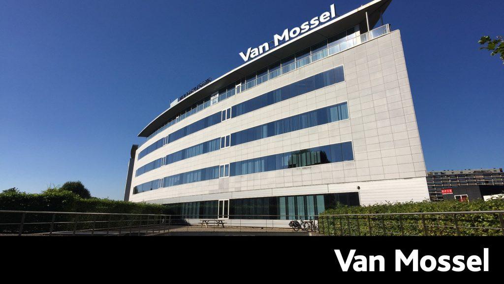 thumbnail for Van Mossel devient concessionnaire de Mercedes-Benz Trucks à Anvers