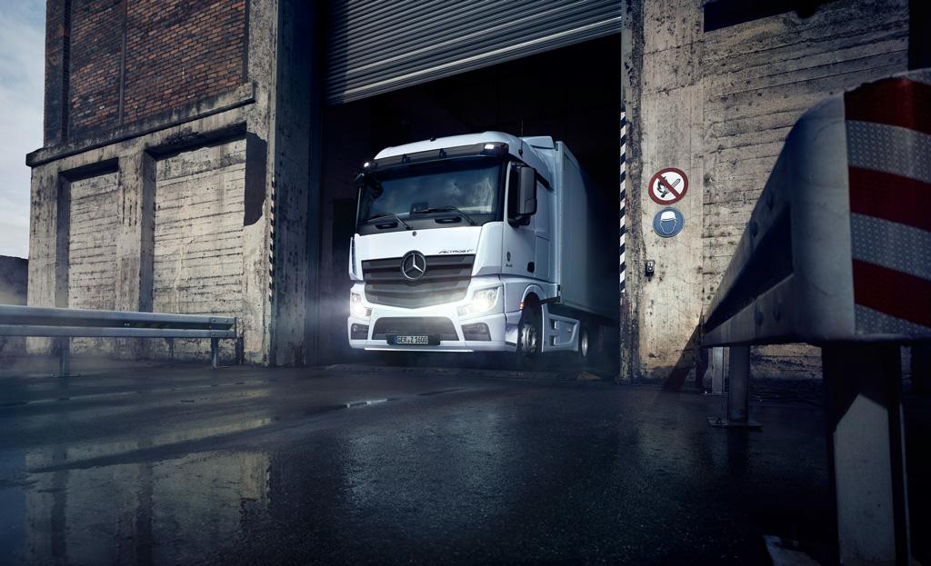 thumbnail for Mercedes-Benz Actros F combineert comfort en functionaliteit [Advertorial]
